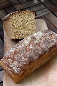 Grovt bröd delad